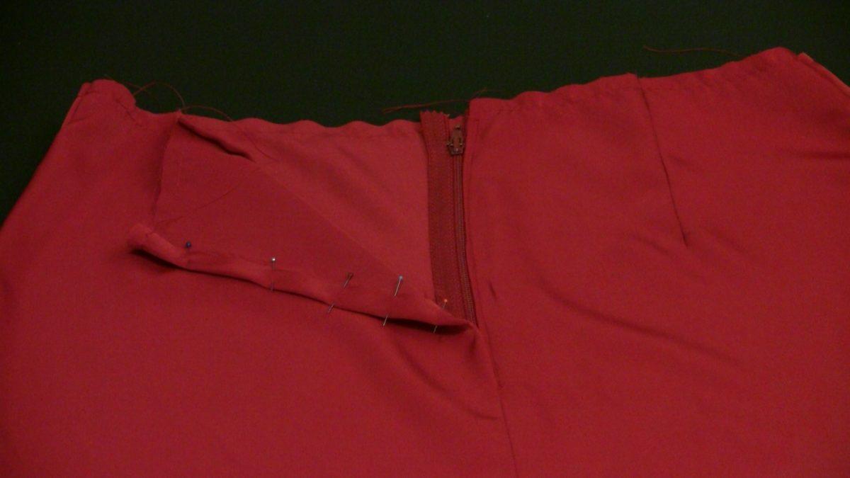 Lapped Zipper in Skirt